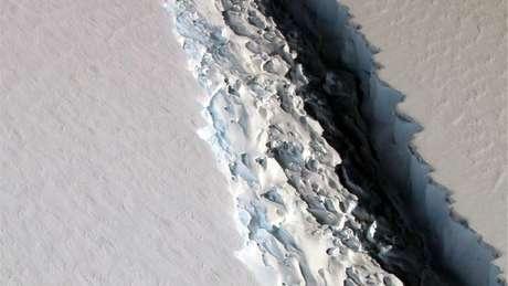 Bloco de gelo possui 5 mil km², área equivalente à do Distrito Federal