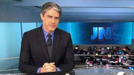 William Bonner, âncora do Jornal Nacional: momento tenso (Foto: Reprodução/Facebook/JN)