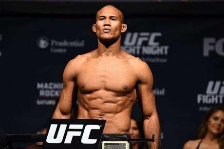 Ronaldo Jacaré luta por uma chance de disputar o cinturão dos médios do UFC (FOTO: Reprodução/UFC)