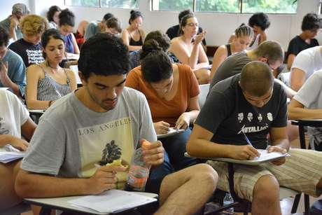 O exame da Unesp registrou 102.230 inscritos este ano.