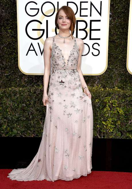 Emma Stone en la alfombra roja de los Golden Globes 2017.