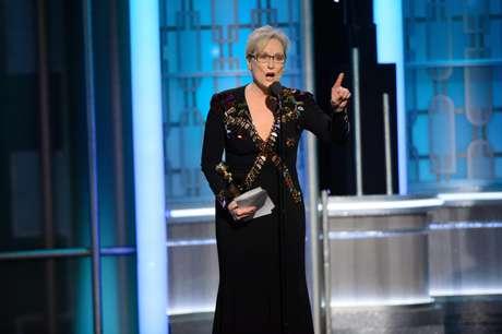 Una combativa Meryl Streep sacude la tibia gala de los Globos de Oro.