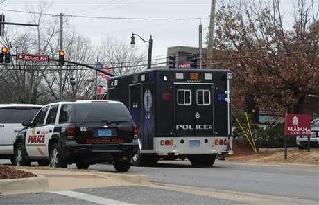 Finaliza la situación de rehenes en la Universidad de Alabama con el arresto del secuestrador