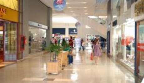 A inadimplência no comércio varejista do Rio teve expansão de 2,1% em 2016
