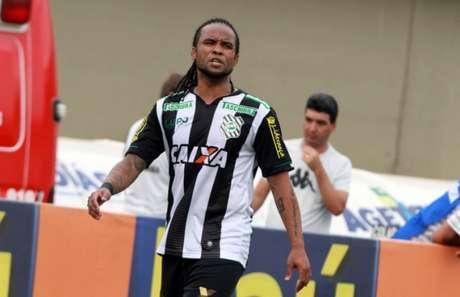 Carlos Alberto rescindiu com o Figueirense em setembro do ano passado.