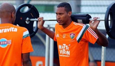 Zagueiro teve poucas chances com a comissão técnica (Foto: Bruno Haddad/Fluminense F.C)