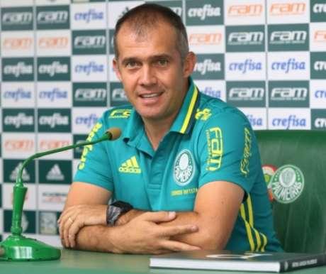 Novo técnico foi a campo pela primeira vez nesta temporada (Foto: Divulgação)
