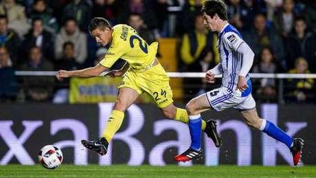 Borre tenta o chute para o Villarreal (Foto: Reprodução / Twitter)