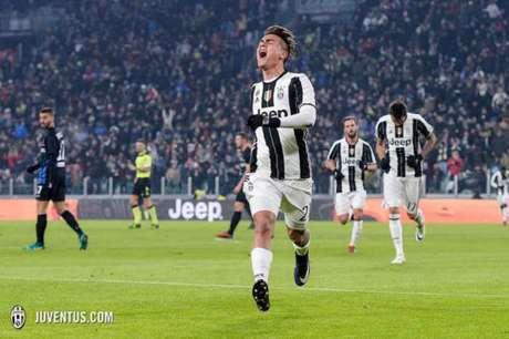 Dybala marcou o primeiro gol da Juventus contra a Atalanta (Foto: Reprodução / Twitter)