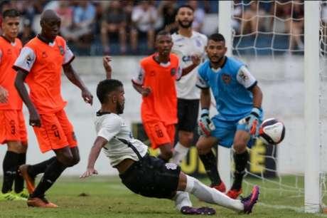 Marquinhos abriu o placar para o Corinthians (Foto: Rodrigo Gazzanel/Agência Corinthians)