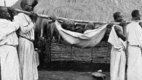 Houve um grande surto de doença do sono no início de 1900, na África