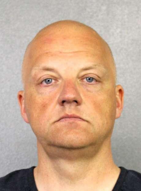 Esta foto proveída por la Oficina del Alguacil del Condado Broward, en Florida, muestra a Oliver Schmidt bajo arresto el 7 de enero del 2017. Schmidt, gerente general de la oficina de ingeniería y ambiente de Volkswagen en Estados Unidos, fue arrestado en conexón con el escándalo de emisiones de la compañía.