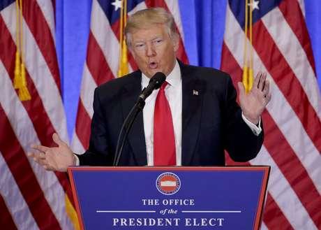 Trump da su primera rueda de prensa luego de cinco meses