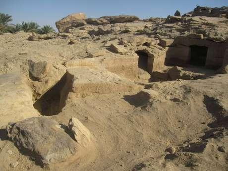 Tumbas esculpidas na rocha datam do Império Novo faraônico