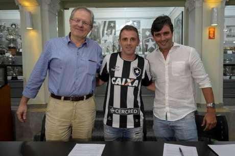 Montillo é o principal reforço do Botafogo para esta temporada de 2017 (Foto: Alexandre Loureiro/SSPress/Botafogo)