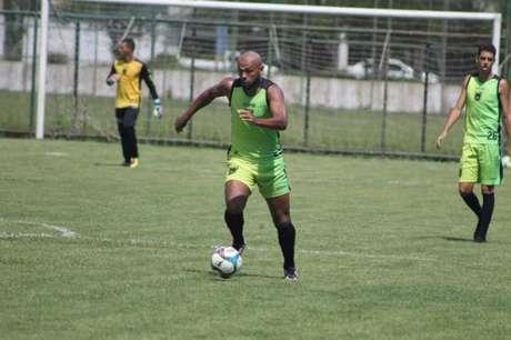 Diego Souza em ação pelo Voltaço (Divulgação)