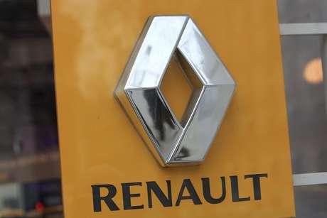El logotipo de la marca automotriz Renault fotografiado en una sala de exhibiciones de la empresa en París, el 19 de enero de 2016.