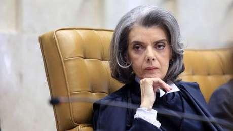 Ministra terá que decidir se redistribui ações da Lava Jato, escolhe novo relator ou aguarda nomeação de Temer