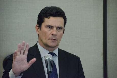 Pesquisa Barômetro Político antecipada à BBC Brasil ouviu a opinião de 1.200 pessoas sobre 20 personalidades do mundo político e jurídico. Apenas o juiz Sergio Moro teve o apoio da maioria: 65%