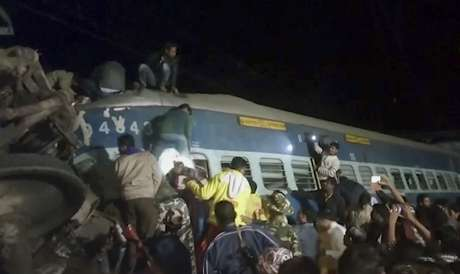 Descarriló tren en India: al menos 39 muertos