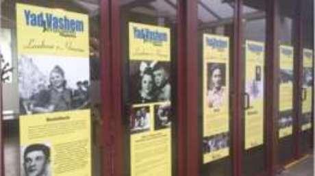 """Exposição fotográfica """"Lembrar e Honrar"""", sobre as crianças no Holocausto, fica em cartaz até 26 de fevereiro"""