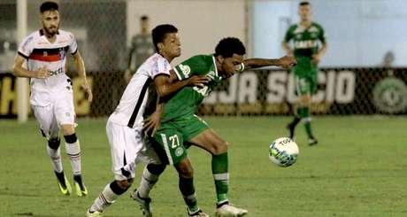 Lance de Chapecoense 0 x 0 Joinville
