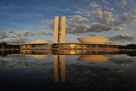 Os visitantes podem conhecer os principais salões do Senado e da Câmara, além da história e do papel do Legislativo