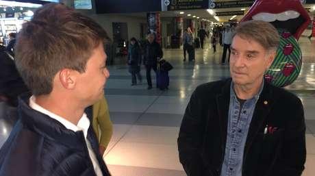 O repórter e o empresário durante entrevista gravada no JFK