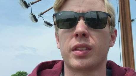 Steve Huffman quer precisar apenas de óculos escuros em caso de emergência