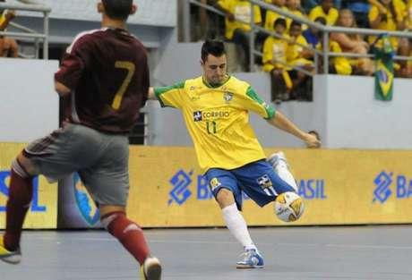 Neto foi o melhor defensor da Liga Nacional de Futsal em 2002, 2004 e 2011 (Foto: Luciano Bergamaschi/CBFS)