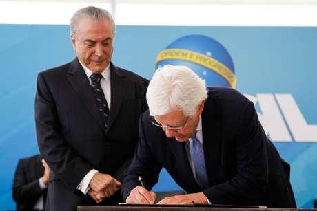Há relatos de que o ministro Moreira Franco estaria na nova lista de Janot