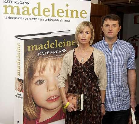 Kate McCann y Gerry McCann, en la presentación del libro 'Madeleine' en 2001, en Madrid