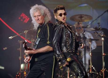 Adam Lambert y James Corden se enfrentan en una batalla por  ser el cantante de 'Queen'