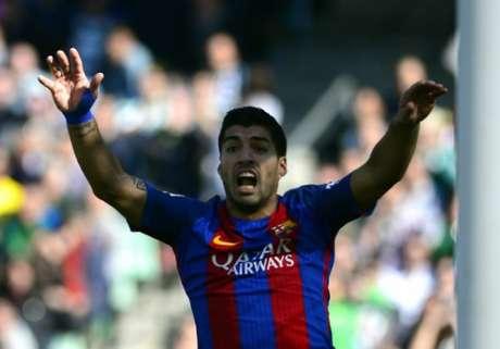 Barcelona vence o Athletic Bilbao e encosta no Real Madrid no Espanhol