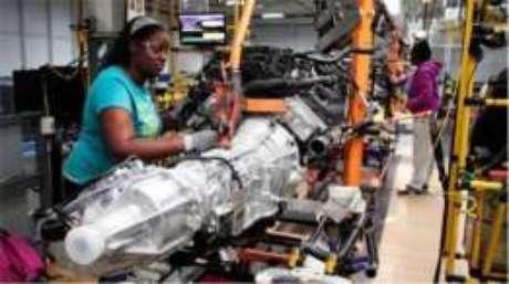 A substituição de trabalhadores por máquinas inflencia o crescimento do desemprego nos EUA