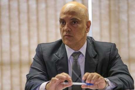 O ministro licenciado da Justiça e Cidadania, Alexandre de Moraes, assinou sua ficha de desfiliação do PSDB