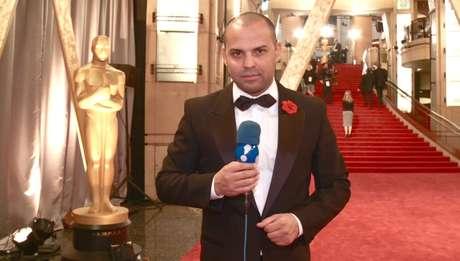 O correspondente diante da escadaria do Dolby Theatre, onde acontece o Oscar
