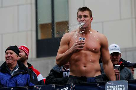 Rob Gronkowsky es un 'Party Animal'