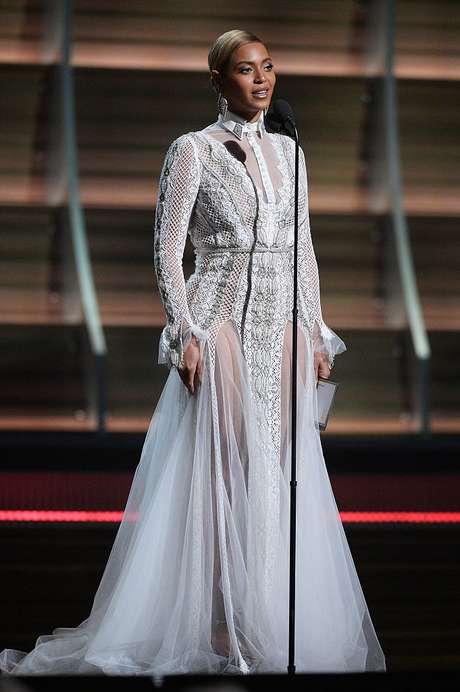 Beyoncé domina las nominaciones a los premios Grammy 2017 con nueve postulaciones.