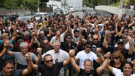 Após morte de policial civil, categoria demonstra apoio aos militares e faz paralisação