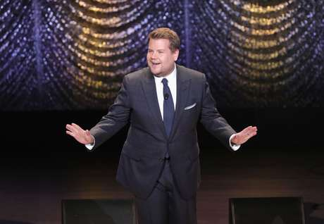 James Corden se enfrenta a Ellen DeGeneres en 'Finish the Lyric'