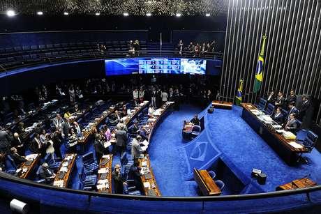 Reforma do Ensino Médio é aprovada no Senado.