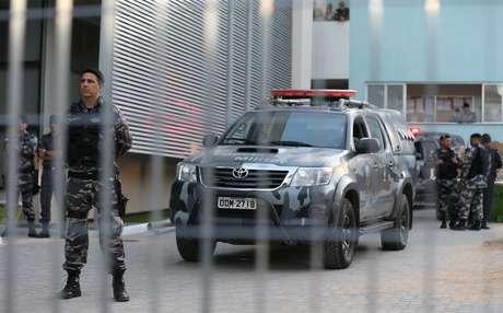 Policial militar aguarda dentro de batalhão no Espírito Santo