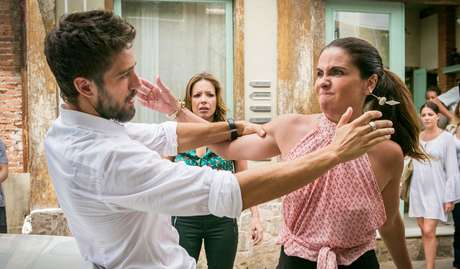 Rafael Cardoso (Cesar) e Giovanna Antonelli (Alice) em cena de 'Sol Nascente'