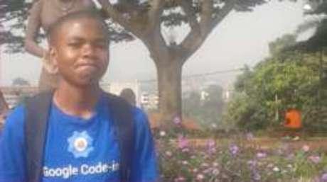 O jovem Nji estuda programação por conta própria e sonha em um dia trabalhar no Google