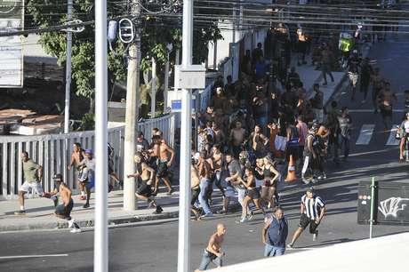 Professora da Unicamp diz que mortes em brigas de torcidas, como a ocorrida recentemente no clássico Botafogo x Flamengo, são normalmente vingadas em outros episódios