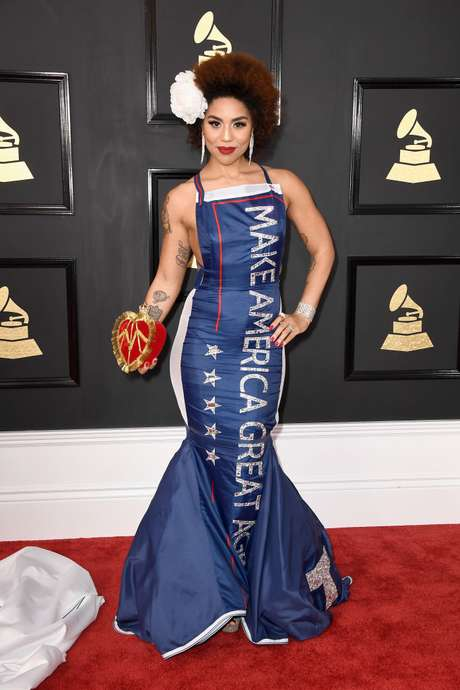 El vestido 'Make America Great Again' de Joy Villa.