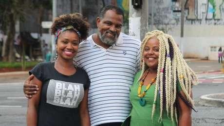 A funcionária pública Laudicéia Reis Silva dos Santos, o pastor Marco Davi e a empreendedora Evelyn Daisy, de grupo de estudos sobre raça e evangelho