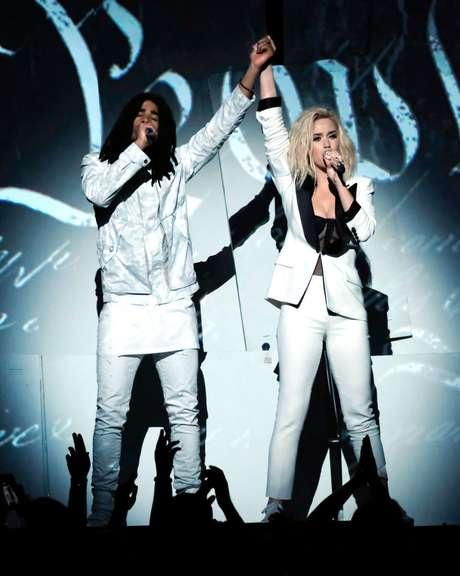 Katy Perry y Skip Marley enviaron un mensaje poderoso sobre el escenario.