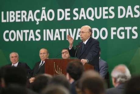Henrique Meirelles participa de anúncio do calendário de saque das contas inativas do FGTS